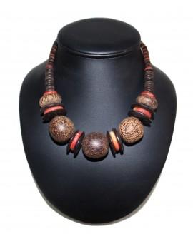 Collier africain en bois